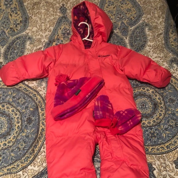 daf47d9f55feb Columbia Other - Columbia Toddler Girl Snow Suit   Hat Gloves